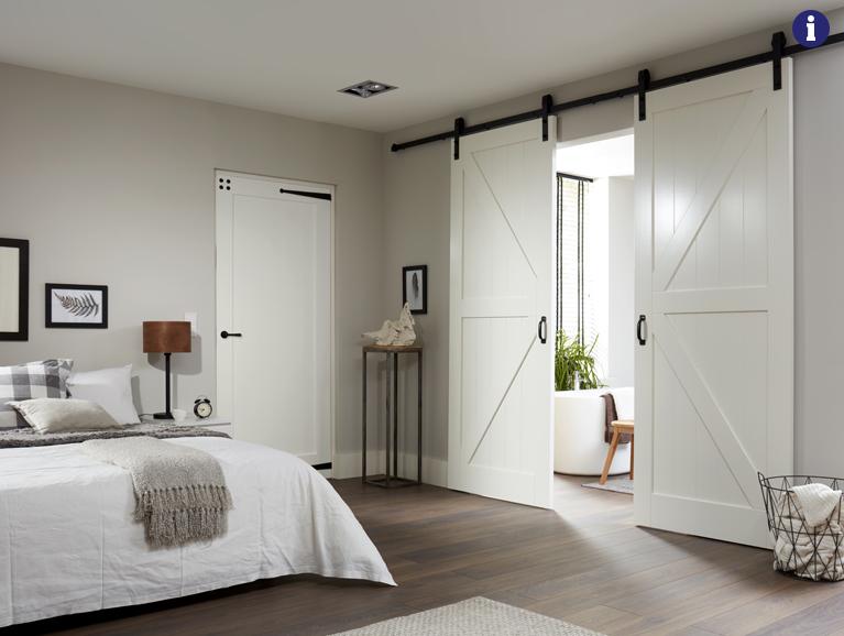 Barn schuifdeuren met zwart deurbeslag